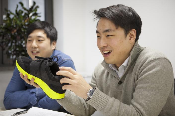 IoFIT - Inteligentne buty od Samsunga - mat. samsung