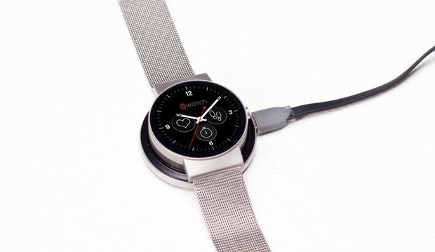 CoWatch - inteligentny zegarek z głosową asystentką Amazonu., czyli Alexą - fot. mat. pras.