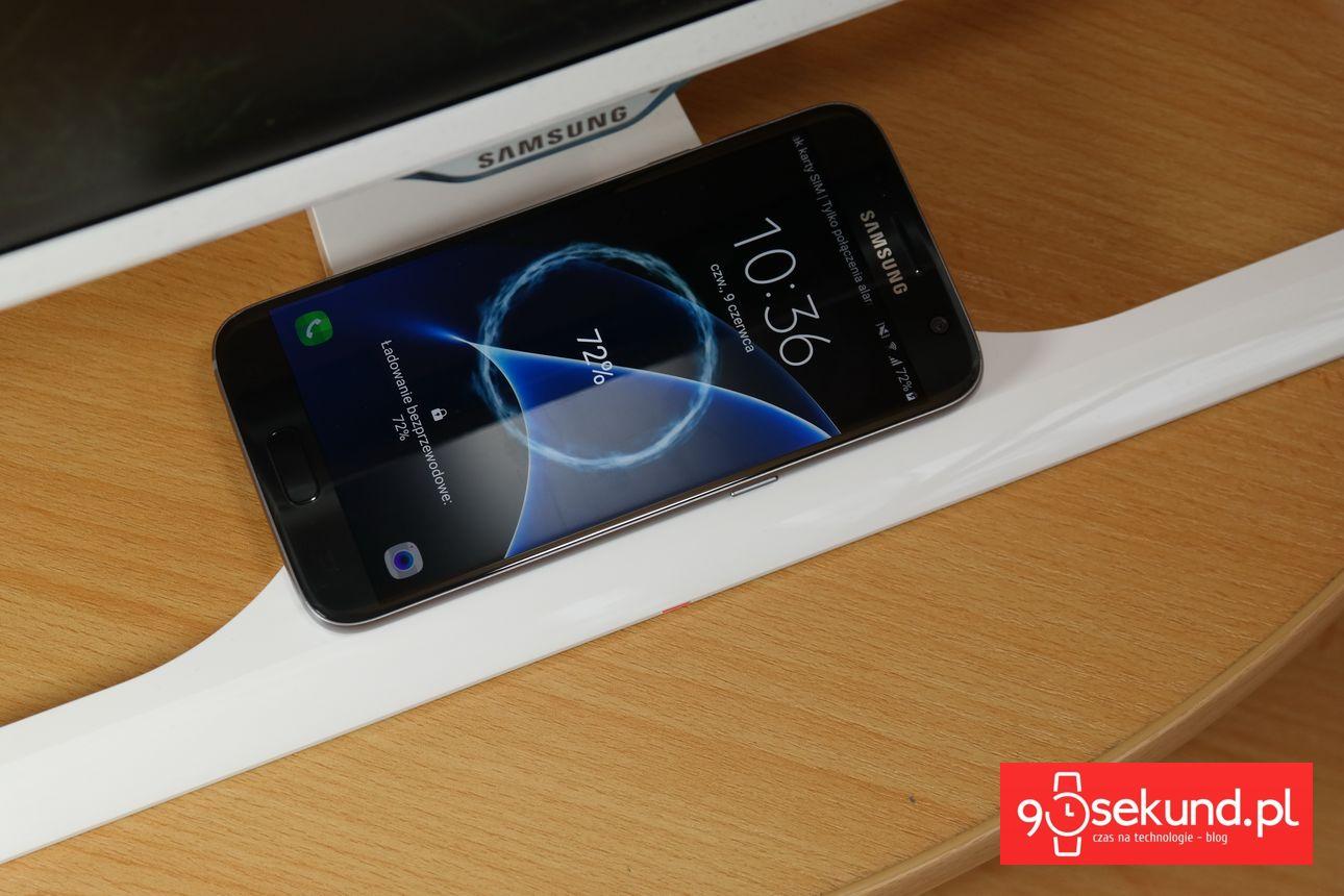 Samsung Galaxy S7 - Szybkie i bezprzewodowe ładowanie. Uwielbiam to! - 90sekund.pl