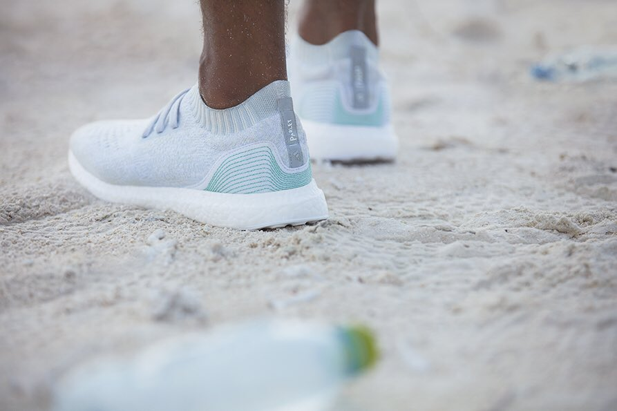 adidas-parley-ekologia-pilkanozna