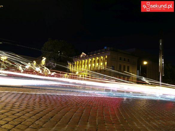 Huawei Honor 9 - Malowanie Światłem: Światła Samochodów - 90sekund.pl