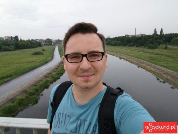 Selfie wykonane Huawei Honor 9 - recenzja aparatu na 90sekund.pl