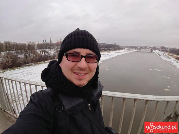 Selfie - wykonane Sony Xperią XZ1 Compact - recenzja aparatu na 90sekund.pl