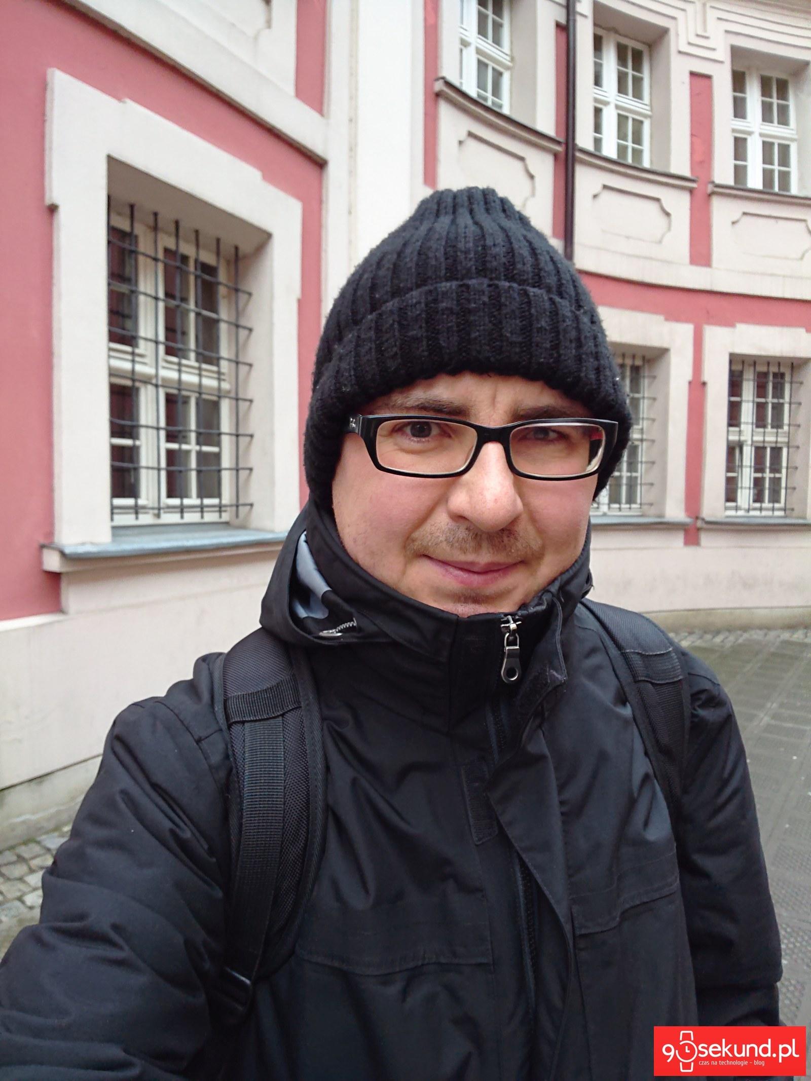Selfie z Sony Xperia XZ3 - Michał Brożyński 90sekund.pl